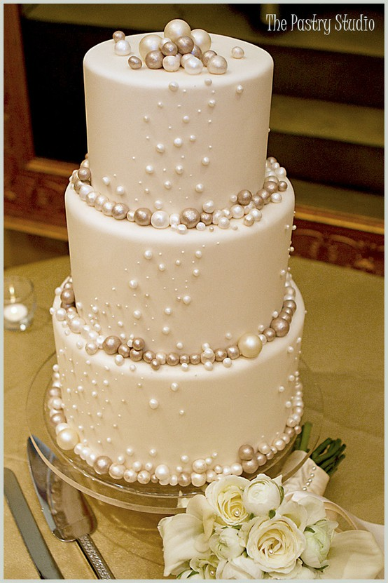 Wedding Cakes | Visions Wedding & Event Boutique